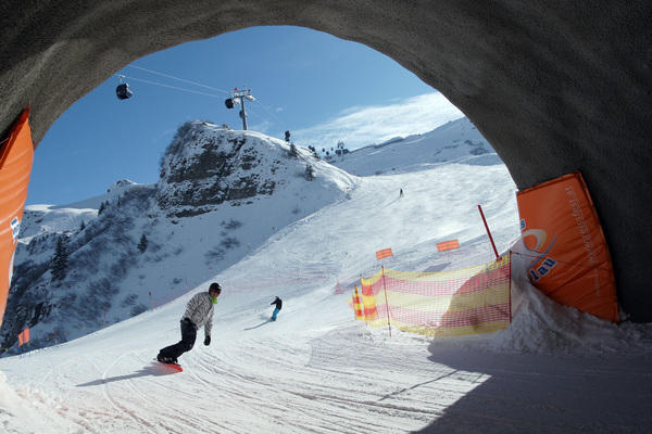 18-skitunnel.jpg